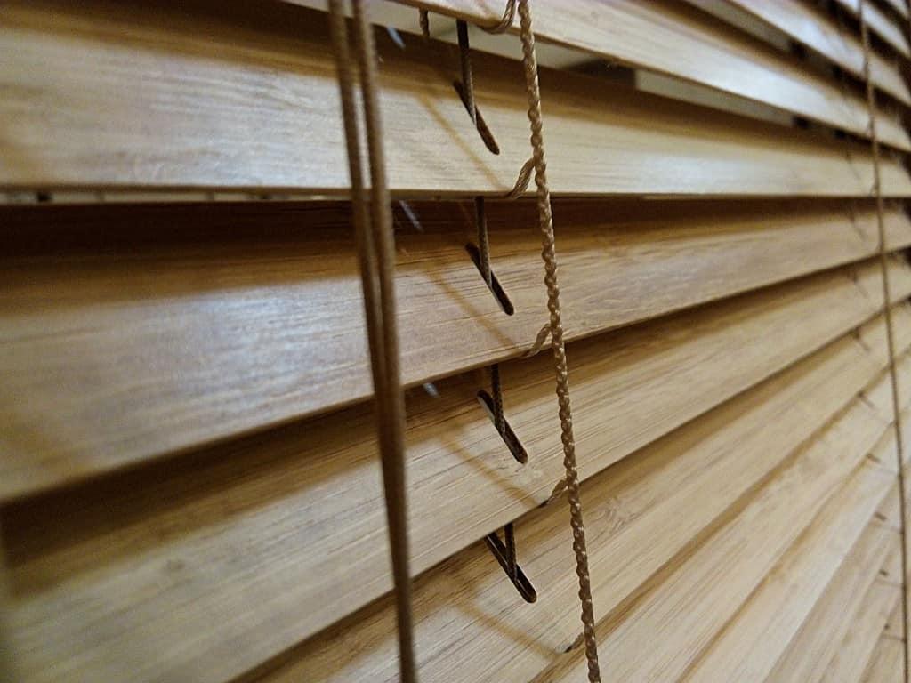 Żaluzja bambus, 25 mm, montaż w świetle szyby, Katowice