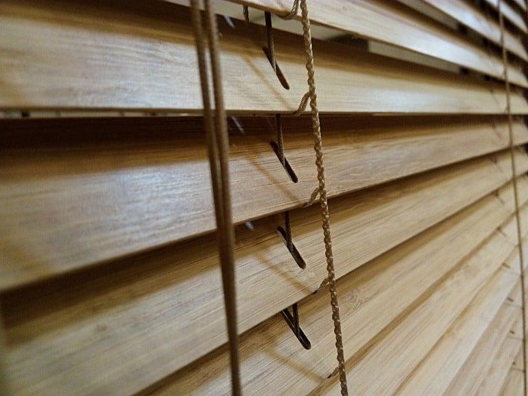 Żaluzja bambus, 25 mm, montaż wświetle szyby, Katowice